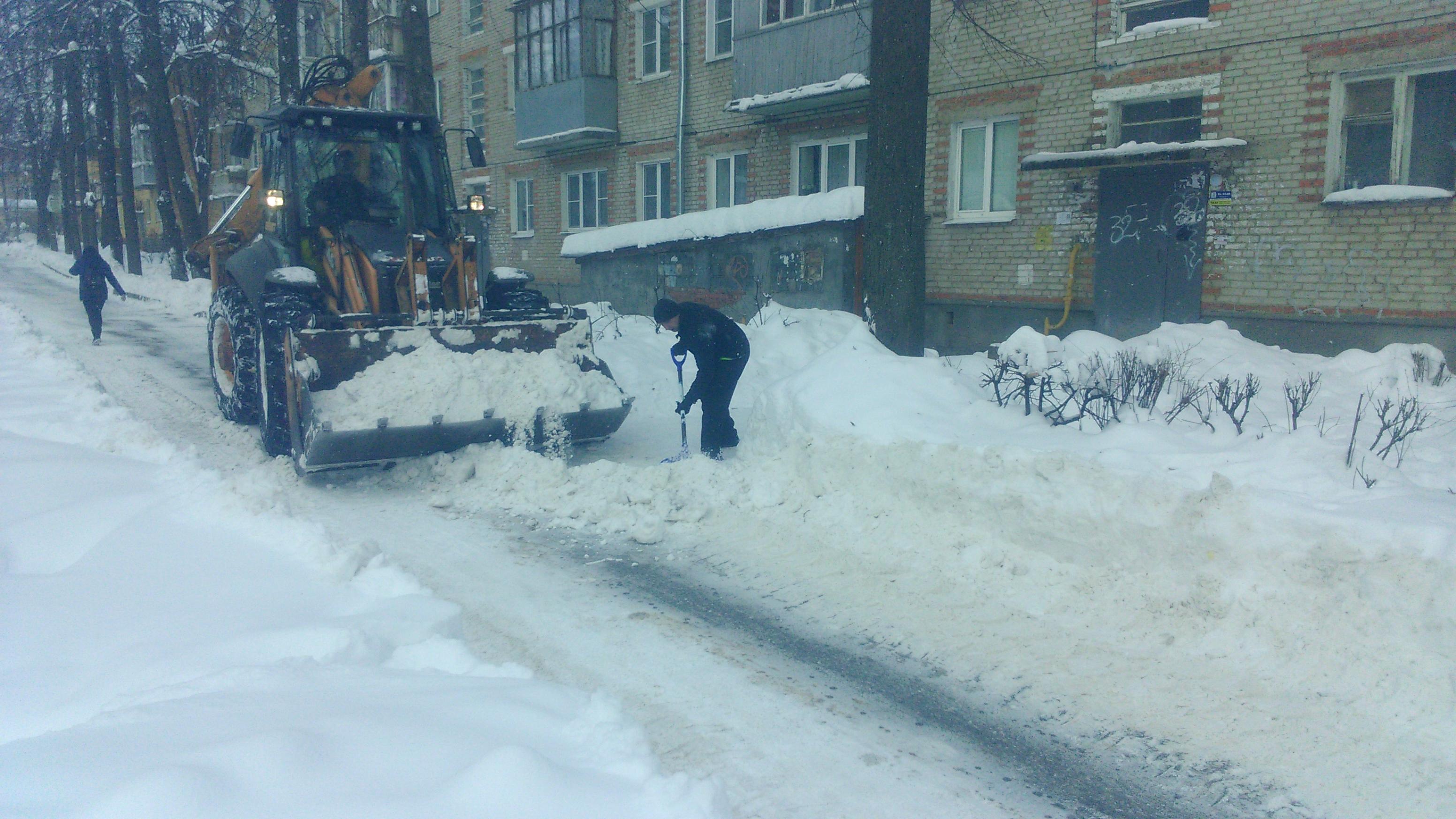 Курские управляющие компании не справляются с убркой снега